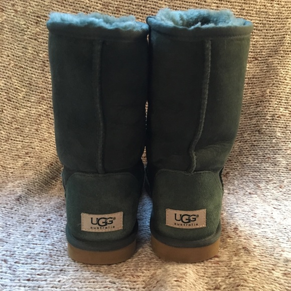 3cbf2c91c18 Dark green Uggs